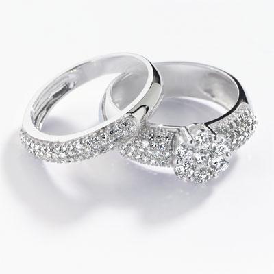 Duo diamants. BAGUE et ALLIANCE demi-tour en or blanc 750. 7 diamants ...