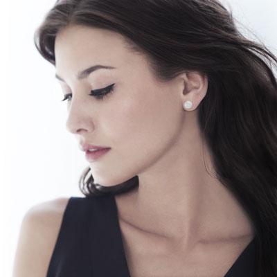 Boucle d'oreille femme clou