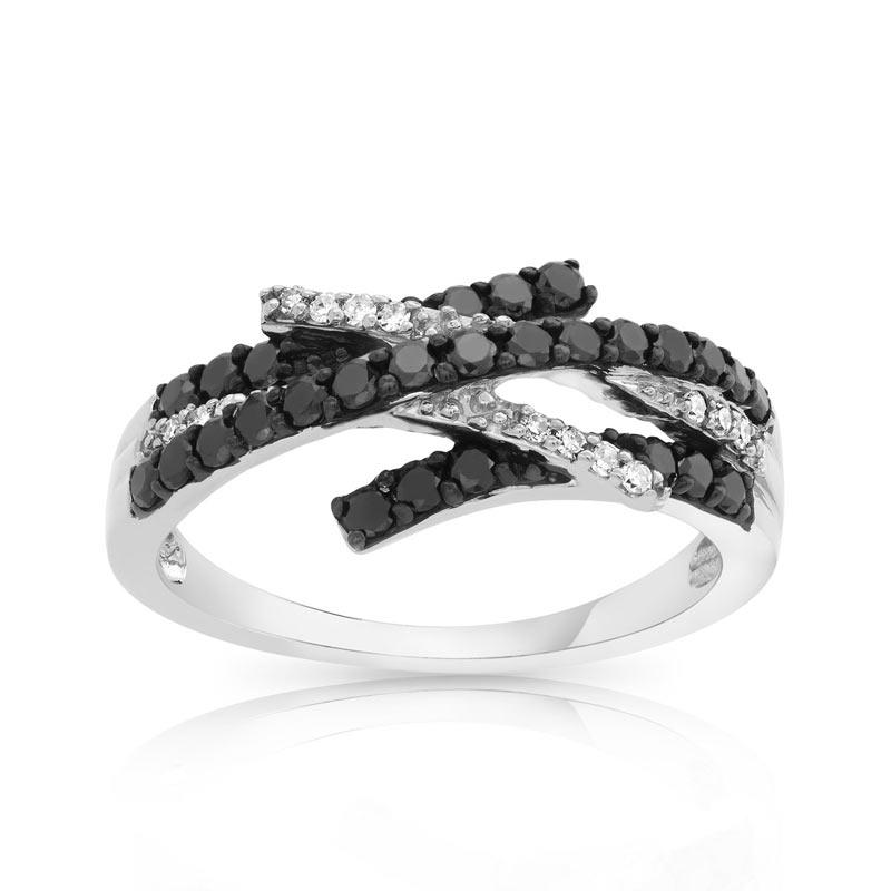 Bague de fiancaille diamant noir et blanc