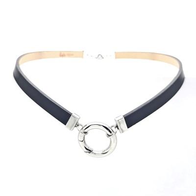 collier ras de cou avec anneau
